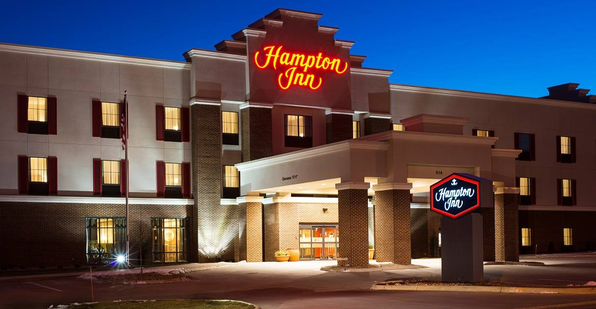 Hampton Inn Offers Free Lodging For Hospital Patient S Families During Christmas